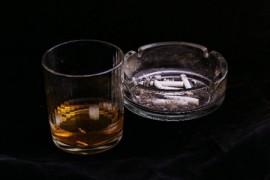 グラスと灰皿