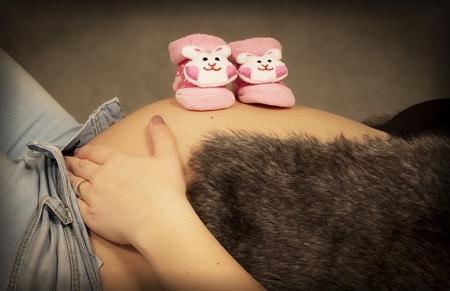 我が子の誕生を待ちわびる妊婦さん